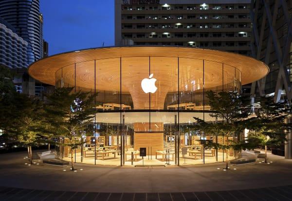 """Die """"Apple Central World"""" befindet sich in einer der größten Einkaufsstraßen Bangkoks."""