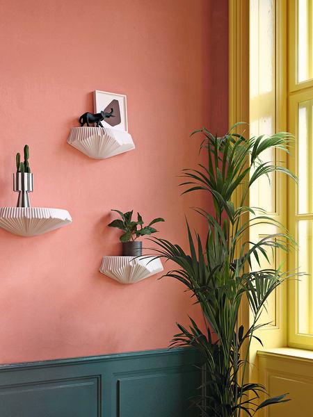 """Die Porzellankonsolen """"Pliasago"""" vonFürstenberggibt es in zwei verschiedenen Größen und Farben, ab 299 Euro."""