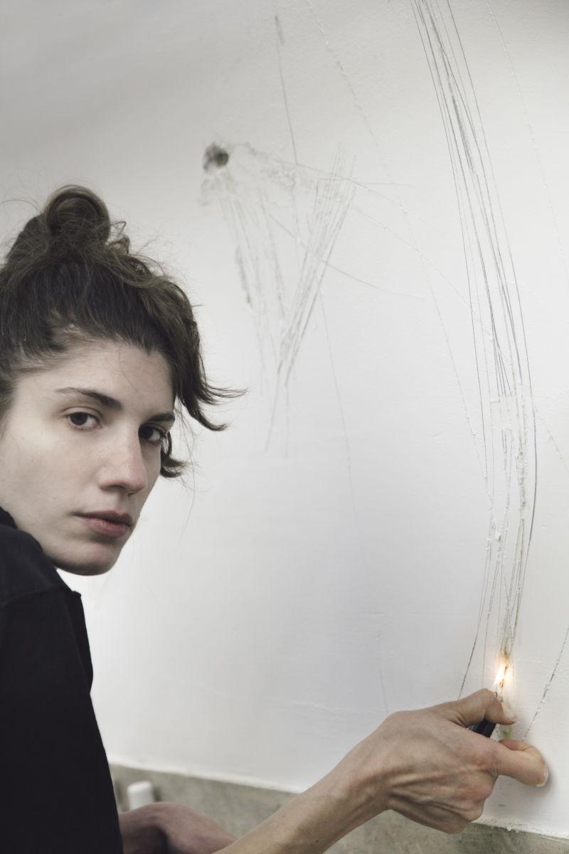 Frances Chiaverini in Anne Imhof, Faust, 2017 Deutscher Pavillon, 57. Internationale Kunstausstellung– La Biennale di Venezia