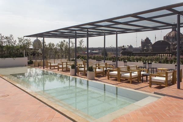 Hotel Círculo Mexicano in Mexiko Stadt: Pool auf dem Dach