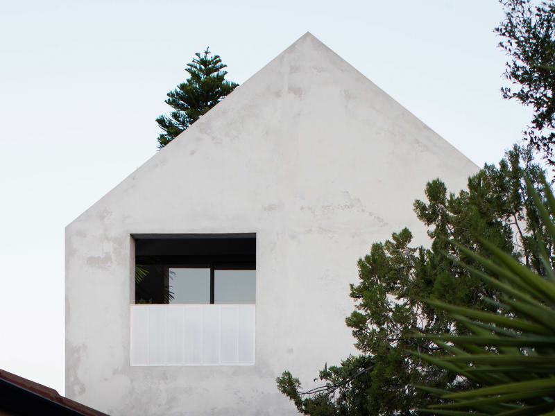 House A Whispering Smith