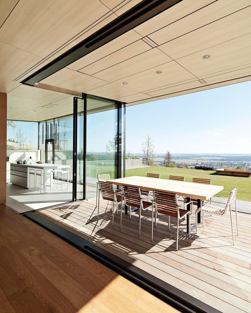 Sky-Frames Villa Esszimmer