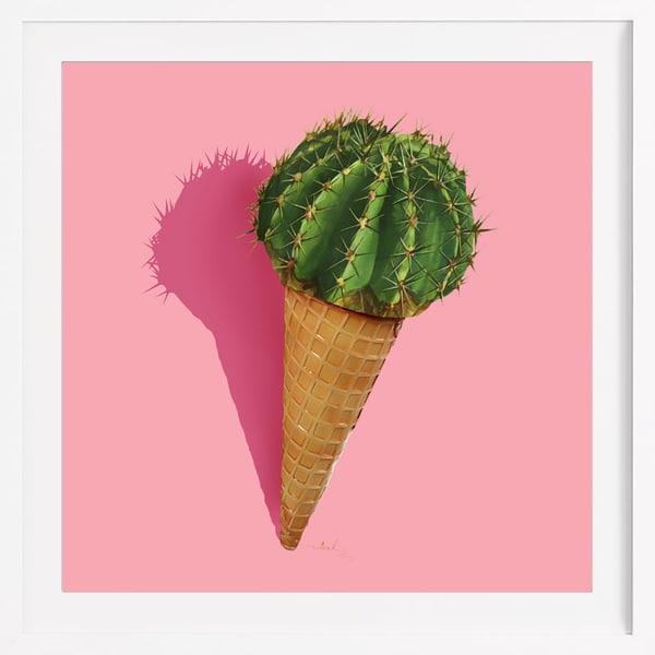 """Süß und stachelig. Mit dem Poster """"Caramba Cacti"""" von Nettsch holen Sie sich eine süße Versuchung nach Hause. 39,90 Euro über juniqe.de."""