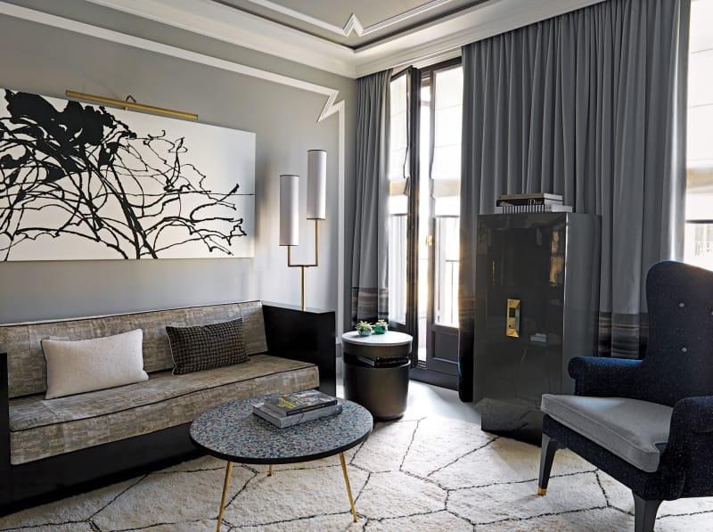 "Hotel ""Nolinski"" Suite"