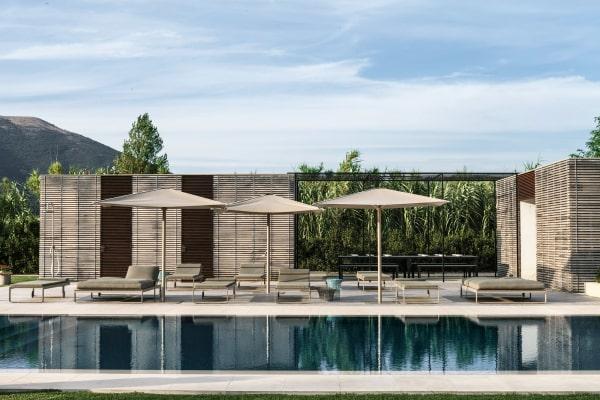 Noch ist es ruhig am Pool und dem Barbecuebereich von Röshults. Die Familien verbringen hier ihre Nachmittage.
