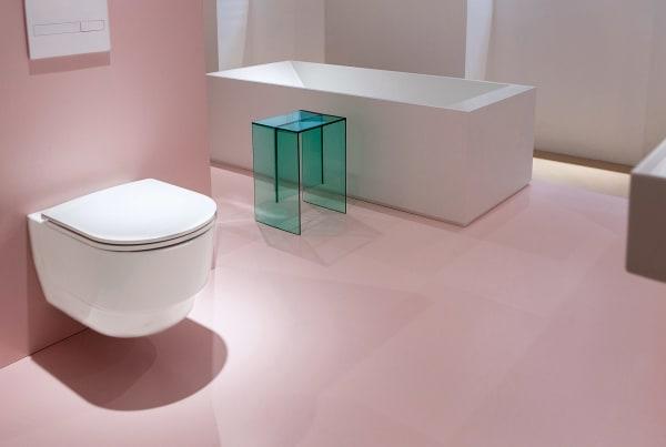 """Wie eine reguläre Toilette kommt """"Save!"""" daher und lässt sich auch genau so benutzen. Der Clou? Die WC-Keramik von Laufen trennt das Abwasser – zur nachhaltigen Wasserwirtschaft. Erhältlich ab 2020, Preis auf Anfrage."""