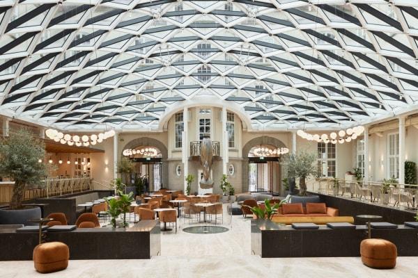 Das Herzstück des Hotels: Die Lobby, gestaltet von Shamballa Jewels.