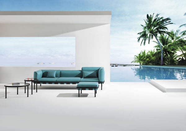 "Into the blue: Sebastian Herkners ""Dock"" Sofa für EMU."