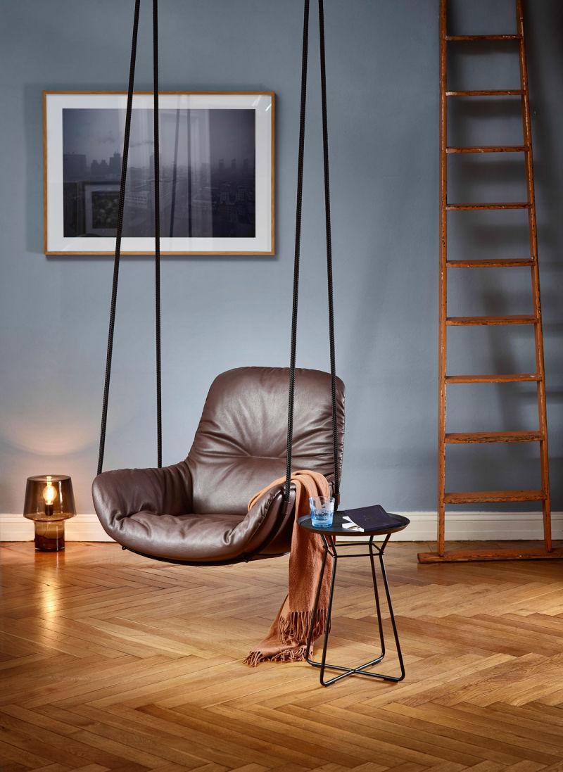 Freifrau Leya Swing Seat