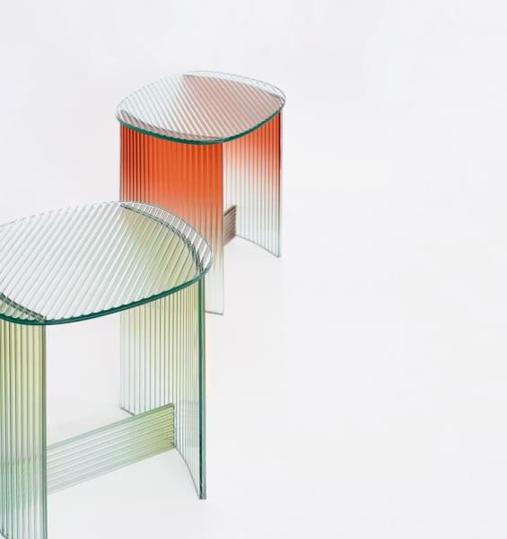 """Altes Thai-Handwerk und Minimalismus verbinden – für Thinkk Studio ist das glasklar: Tischchen """"Fluted"""" für 1200 Euro."""
