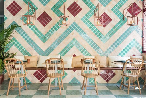 Die Farben der Wandliesen sind inspiriert von typischen andalusischen Farben.