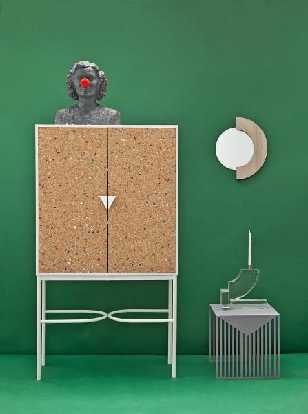 """Notebook Cabinet"" mit Kork-Pinnwand, 2399 Euro."