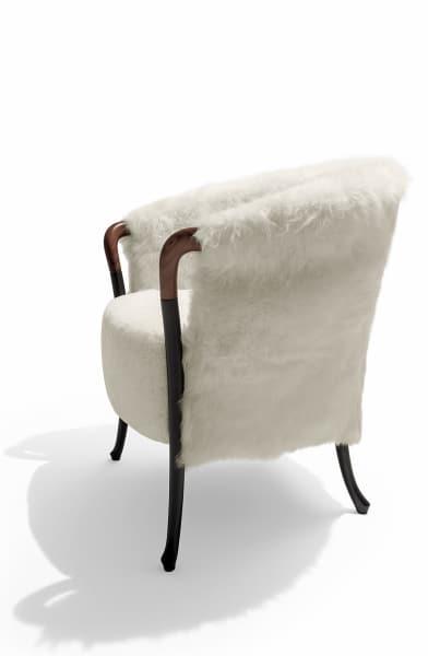 """""""Progetti Fashion"""", Schaffell Katori, 5355 Euro."""