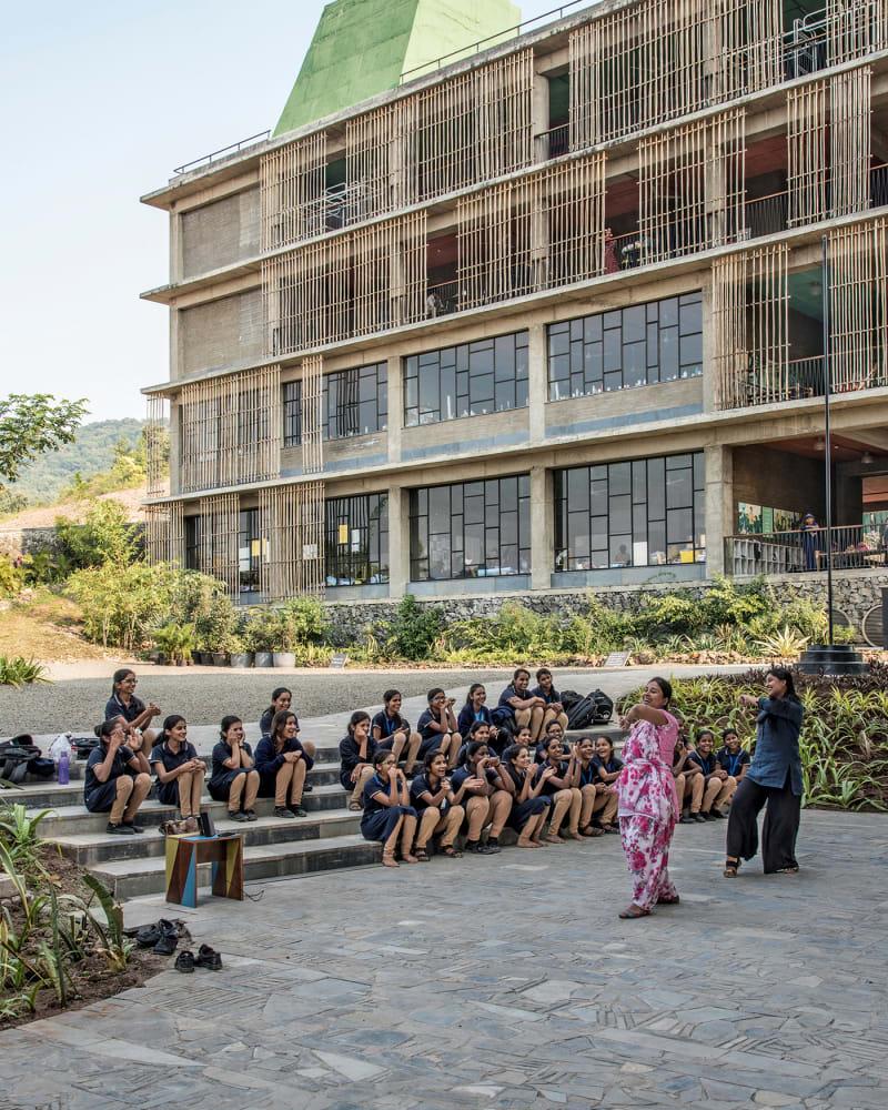 Avasara Academy, Indien