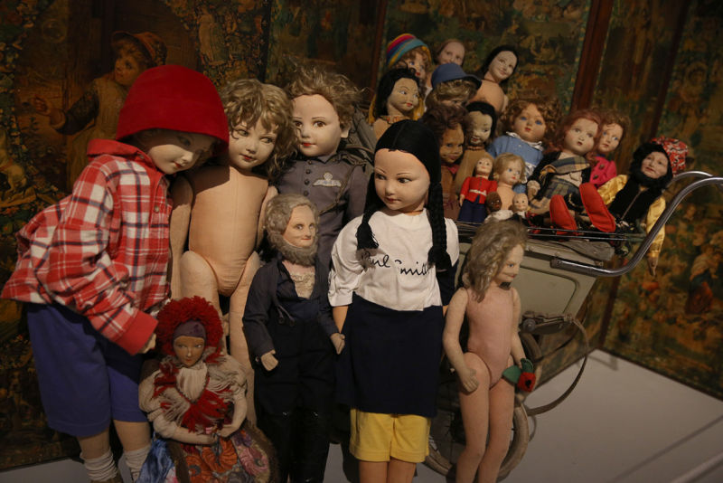 Peter Blake's dolls collection. Installation view: Magnificent Obsessions. The Artist a Collector, Barbican Art Gallery.