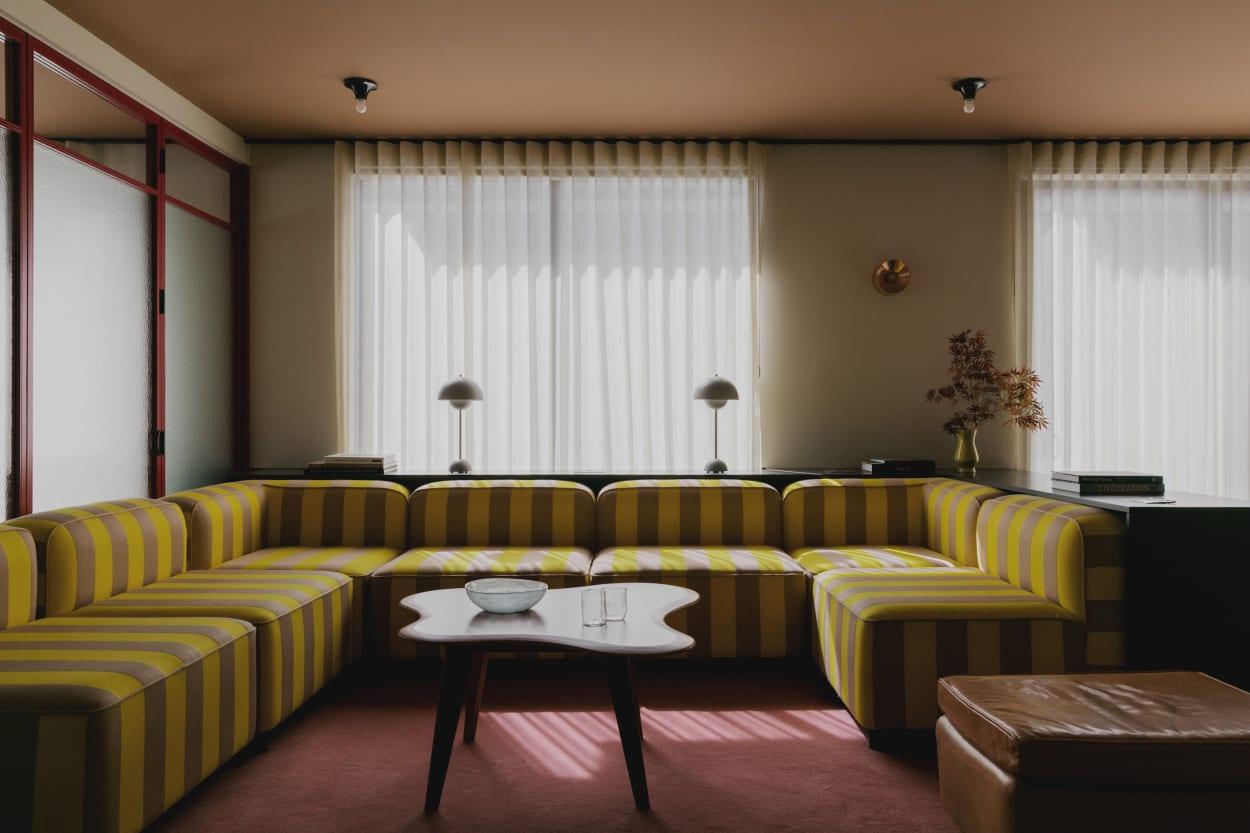 """Daytrip Studio gestaltete das """"Media Office"""" wie ein Zuhause."""
