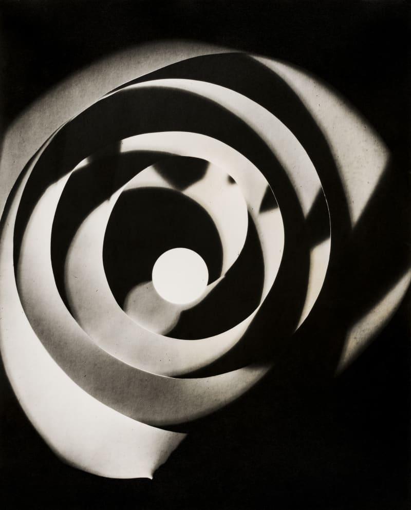 Man Ray, Rayographie (Spirale), 1923