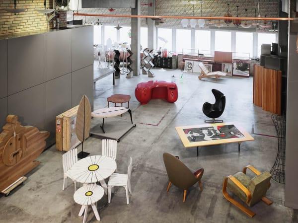 Das Lager des Vintage Händlers Paul Jackson in Stockholmer Hafengelände.