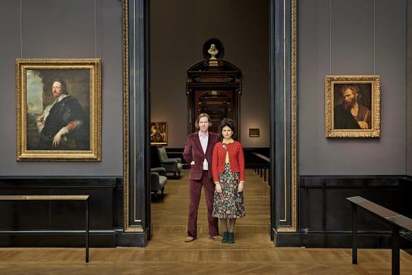 Wes Anderson entwirft in seinen Filmen (zusammen mit seiner Frau, der Kostümbildnerin Juman Malouf) eigene Welten. Für ihre Schau bedienen sich die beiden aus den Sammlungen desKunsthistorischen Museums in Wien, die vom 6. November 2018 bis zum 28. April 2019 gezeigt wird.