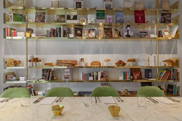 Bibliothek im Casa Cavia