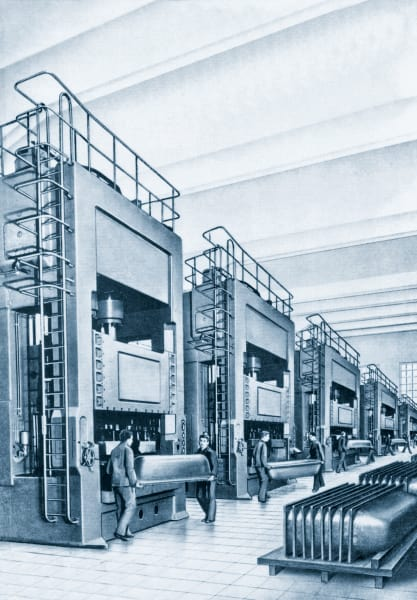Dank der ständigen Weiterentwicklung der Fertigungstechnik, entstand die weltweit erste Pressstraße 1957 im Ahlener Werk von Kaldewei.