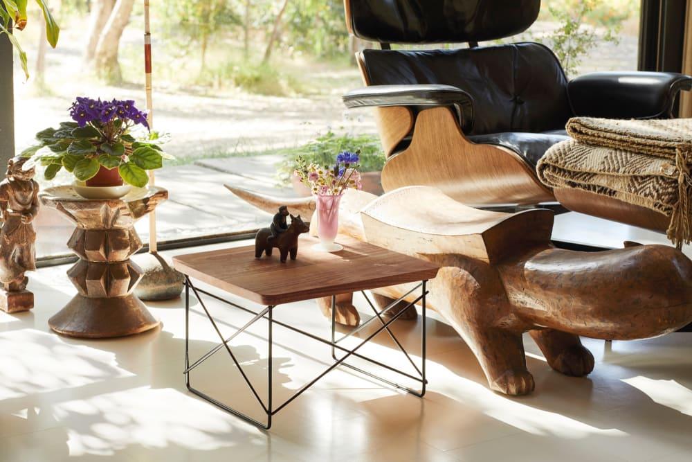 Vitra verarbeitet Holz aus dem Garten der Eames' zu einer Sonderkollektion