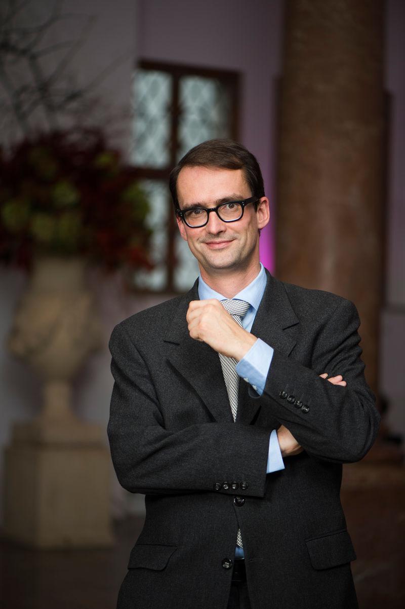 Dr. Martin Blumenthal
