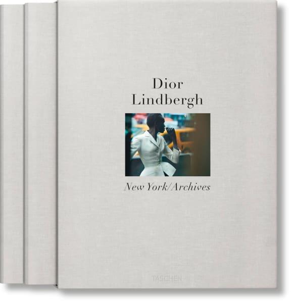 Die zweibändige Publikation ist ab November für 150 Euro im Onlineshop des Taschen-Verlags erhältlich.