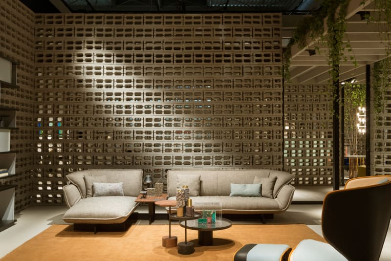 1_Cassina-booth_Salone-del-Mobile-2016