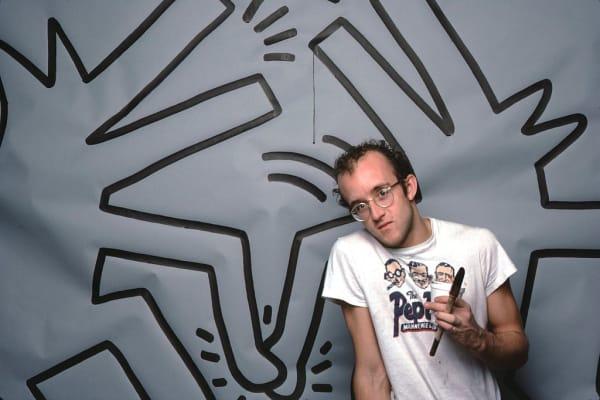 Keith Haring vor einem seiner Werke im April 1984.