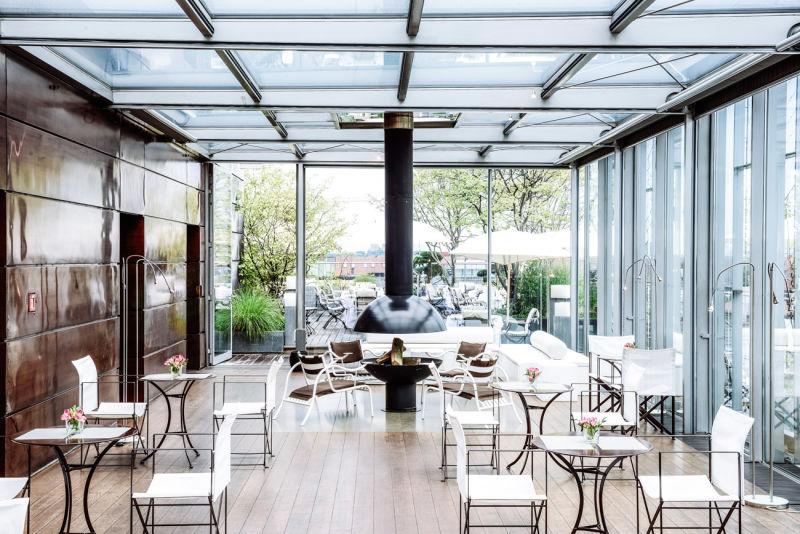 01-Blue-Spa-Lounge