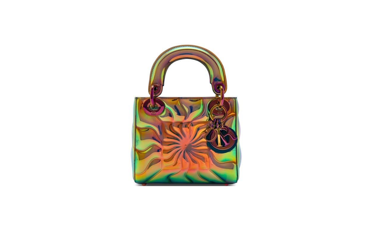 Zehn berühmte Künstler gestalten die ikonische Lady Dior Tasche neu.