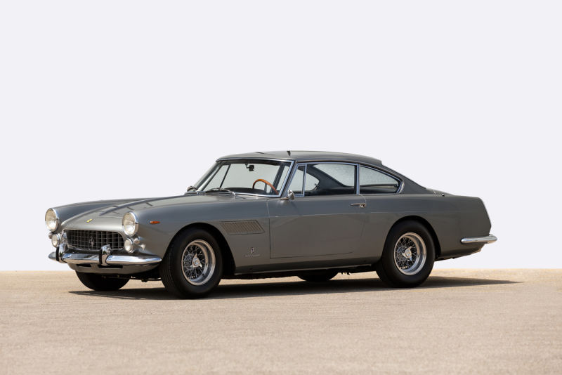 Auctionata_Ferrari-250-GT-2+2_Model-1961