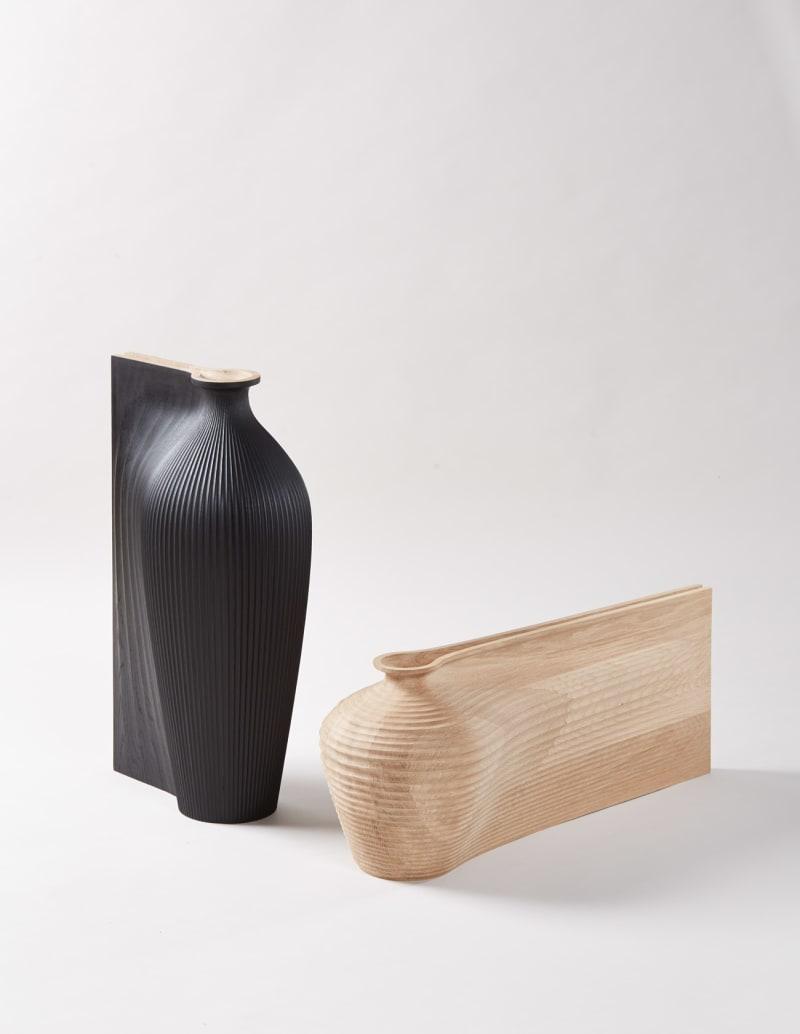 Gareth-Neal&Zaha-Hadid,-Tall-Black-Vessel-and-Oak-Low-Vessel.-Represented-at-COLLECT-by-Sarah-Myerscough.-Photocredit-Petr-Krejci