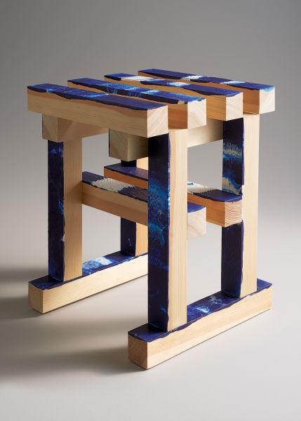 <p>Gewinnen Sie einen Prototyp der bunten Eichenholzhocker des Designers Erik Olovsso.</p>