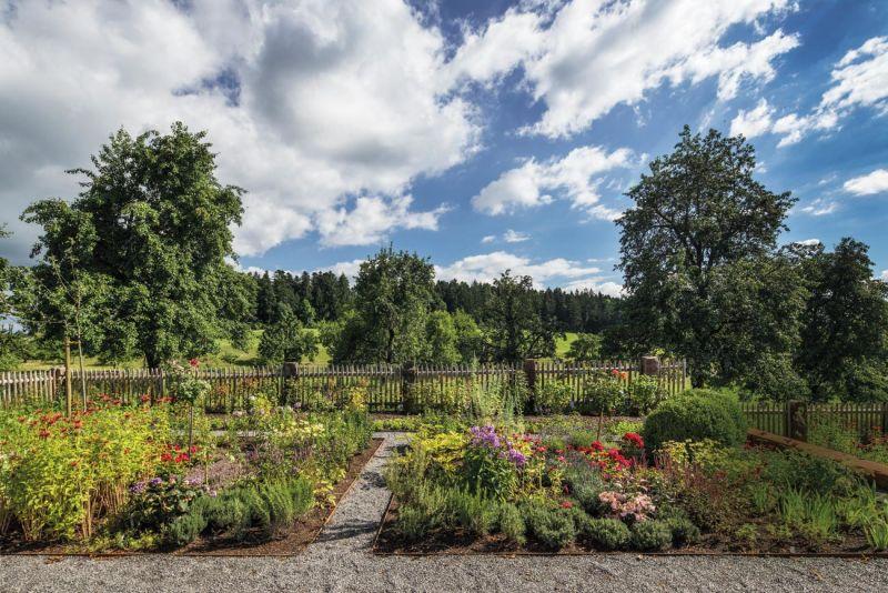 E 15 Garten