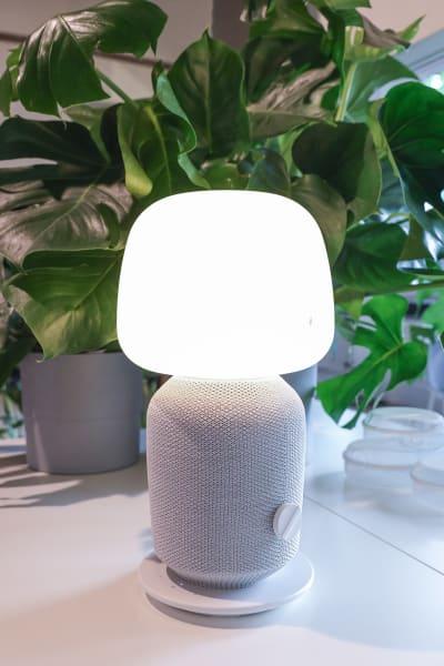 IKEA Tischleuchte mit WiFi-Speaker