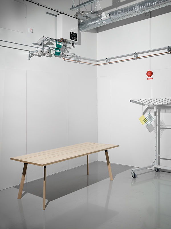Esstisch Oder Schreibtisch? Die Stücke Sind So Designt, Dass Sie Mehrere  Funktionen Erfüllen Können. (Foto: IKEA)