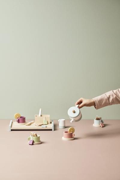 Tee-Service aus Holz von Kid's Concept überSmallable, 43 Euro.