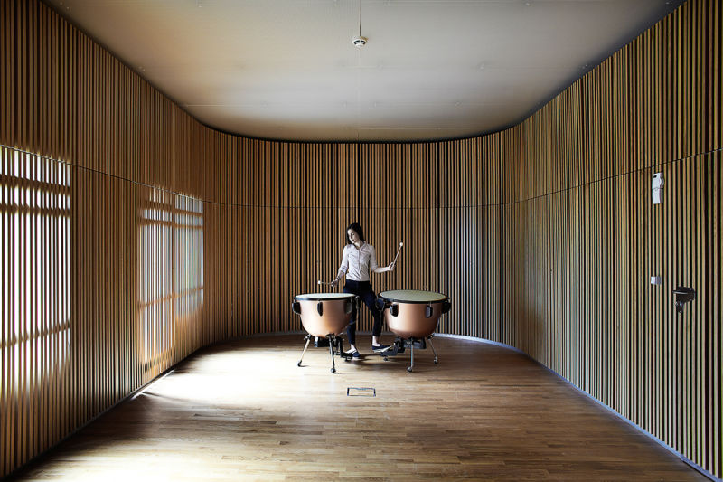 The-diffuse-daylight-in-sound-space-for-percussion_photo