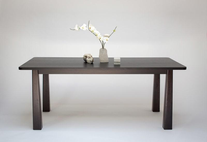 Blanc-Monolith-Table-5