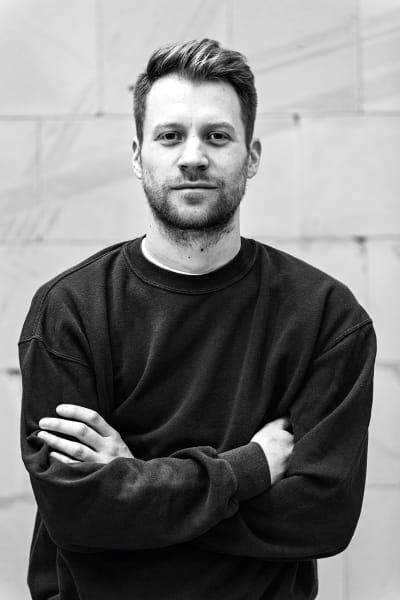 2018 gründete der gelernte Landschaftsarchitekt seine Möbelmarke Bannach.