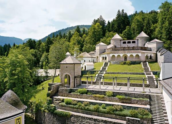 Schloss Ringberg istnur gelegentlich im Rahmen von Führungen öffentlich zugänglich, mehr Infos unterschloss-ringberg.de.