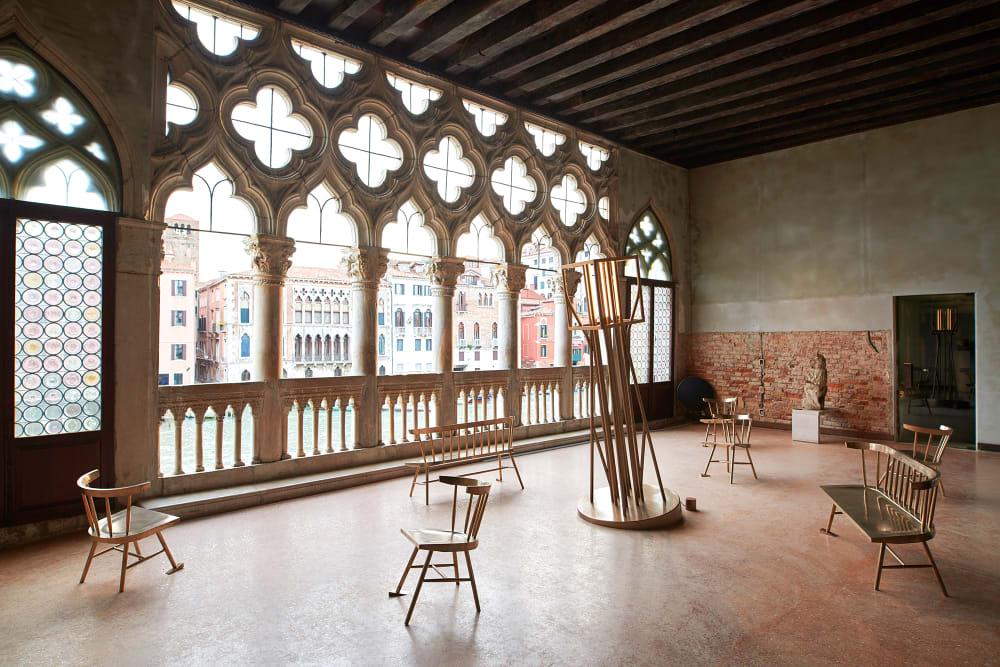 Virgil Abloh zeigt in Venedig seine erste Möbelkollektion