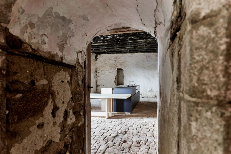 Blick durch Tür auf Küche von Mühlböck