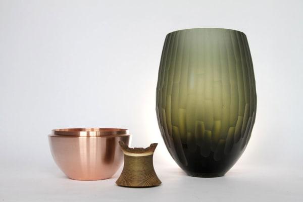 Die Vasen bestehen aus mehreren Einzelteilen, die auch unabhängig voneinander genutzt werden können.