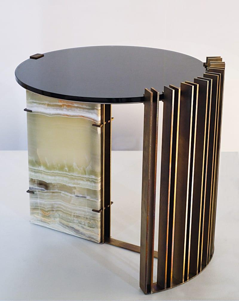 Ocra Studio, Tisch