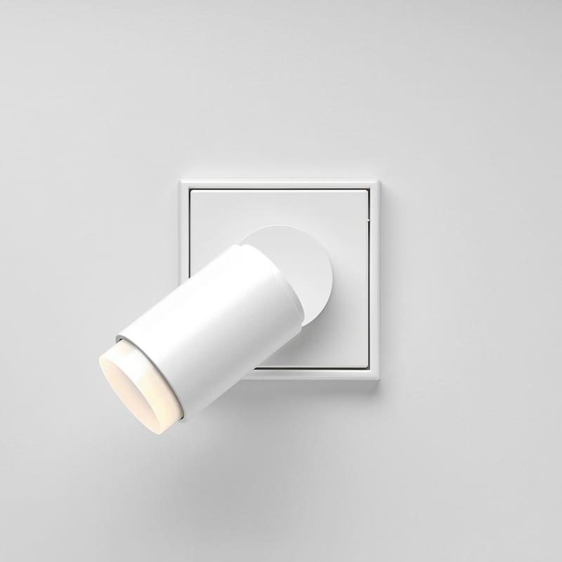 """Plug & Light"", Jung"