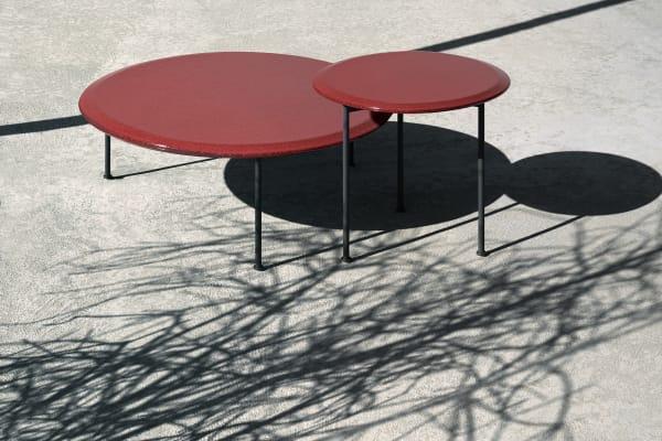 Absoluter Blickfang. Die Coffeetables der Borea Kollekion in leidenschaftlichen Rot.
