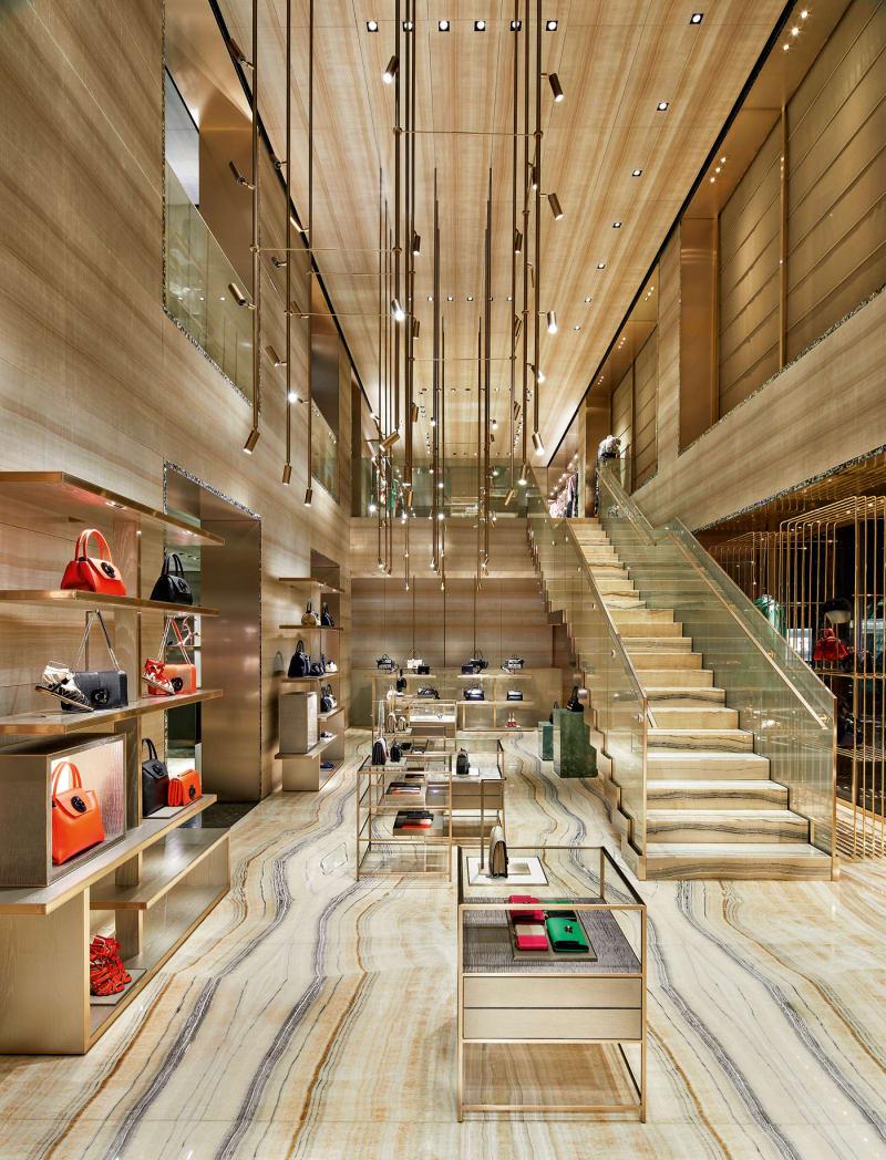 Giorgio Armani und Armani / Casa feiern ihre aufgefrischten Flagshipstores